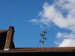 roof-767475_640.jpg